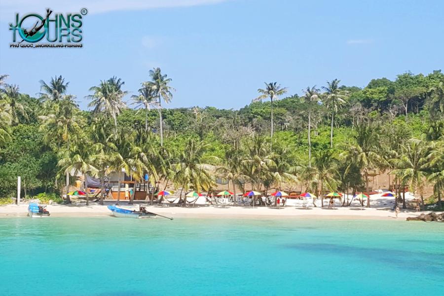 Hòn đảo riêng với bãi cát trắng mịn