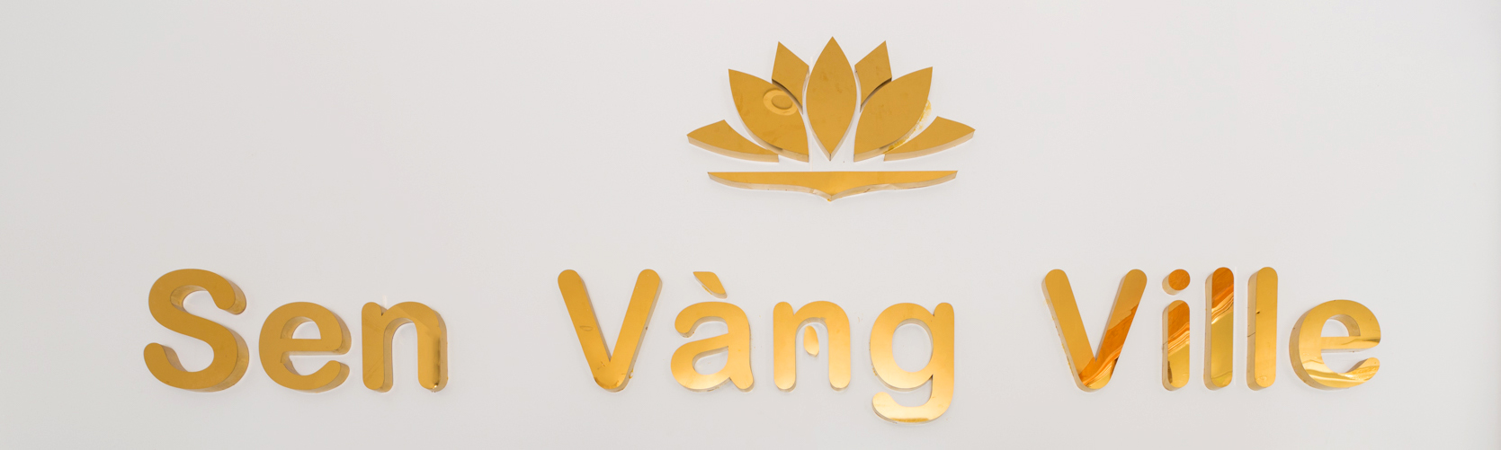 https://phuquoctrip.com/files/hotel/Sen Vang/Logo Sen Vàng (1).jpg