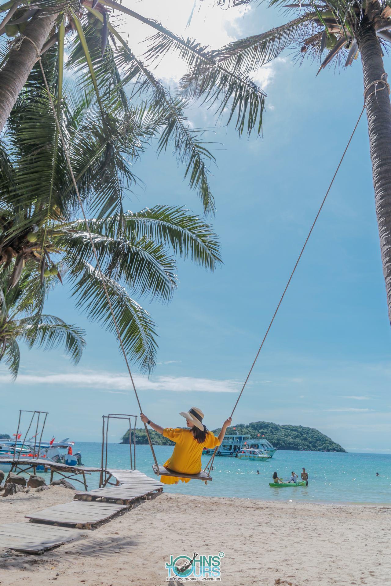 Bãi biển lý tưởng cho trẻ em vui chơi an toàn
